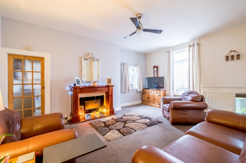 property-for-sale-2-bedroom-4-in-lightcliffe