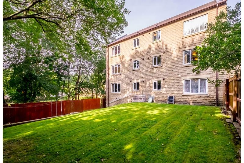 property-for-sale-2-bedroom-28-in-bailiff-bridge-2