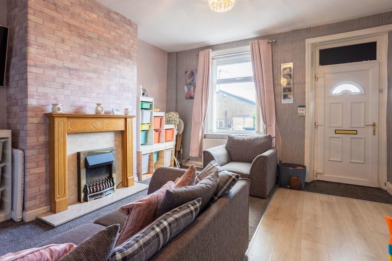 property-for-sale-2-bedroom-1-in-oakenshaw