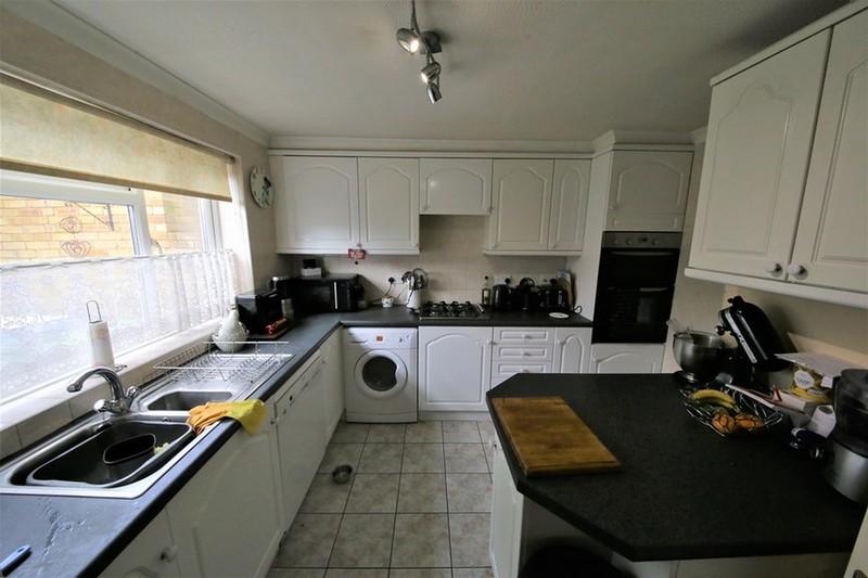 property-for-sale-corsletts-avenue-broadbridge-heath-rh12-2