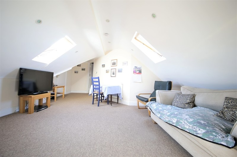 property-for-sale-victoria-road-cranleigh-gu6