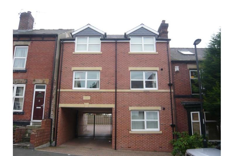 property-for-rent-1-bedroom-flat-in-118-alexandra-road