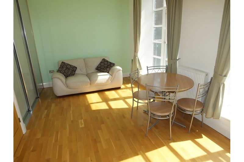 property-for-rent-1-bedroom-apartment-in-43a-mowbray-street