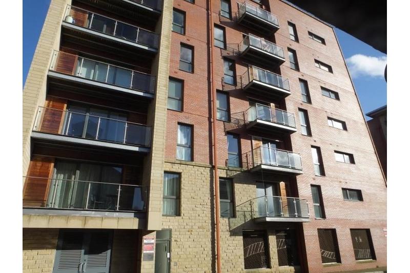 property-for-rent-2-bedroom-ground-flat-in-napier-street