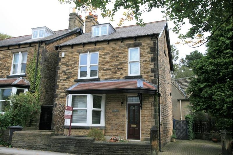 property-for-rent-4-bedroom-detached-in-the-corner-house