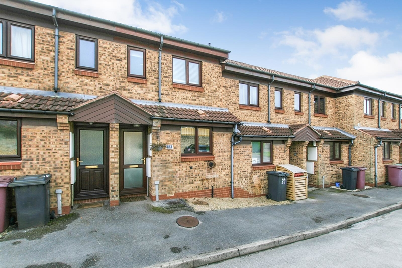 property-for-sale-2-bedroom-town-house-in-dronfield-2