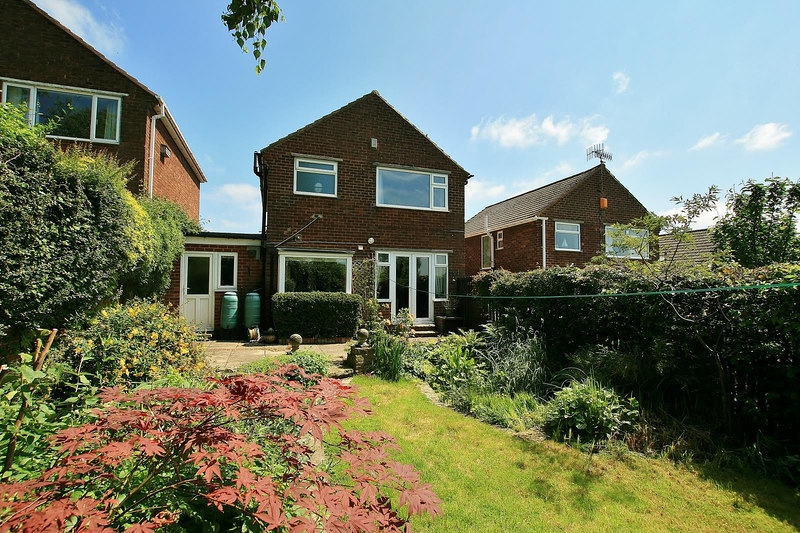property-for-sale-3-bedroom-detached-in-dronfield-8