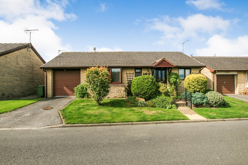 property-for-sale-2-bedroom-bungalow-in-holmesfield