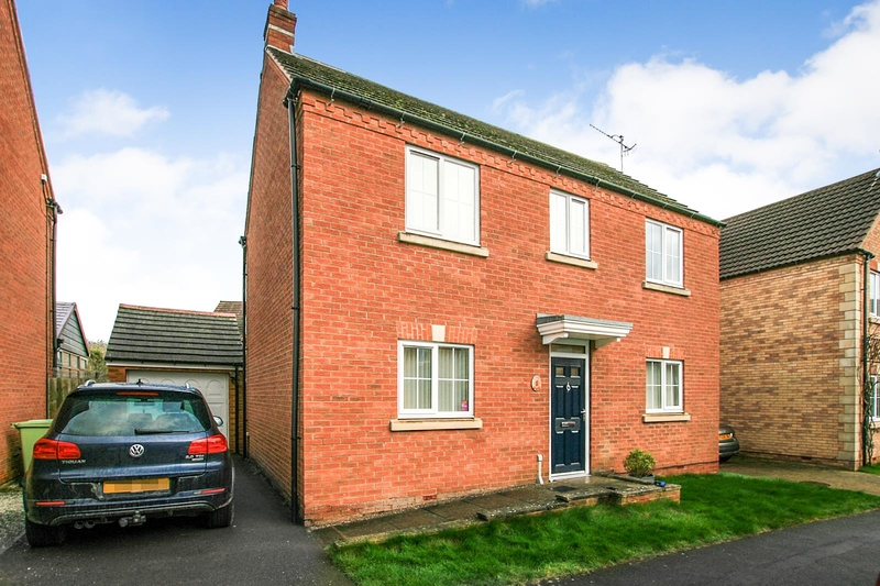 property-for-sale-3-bedroom-detached-in-chesterfield-2