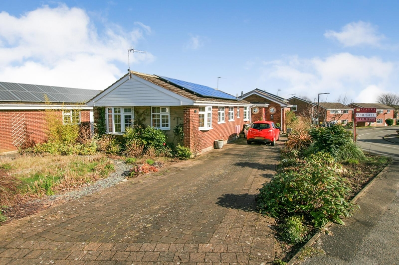 property-for-sale-2-bedroom-bungalow-in-dronfield-woodhouse-4