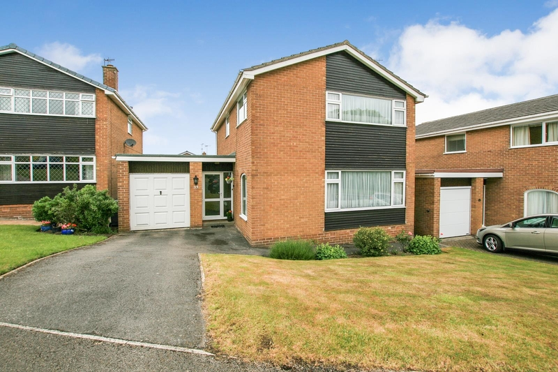 property-for-sale-4-bedroom-detached-in-dronfield-woodhouse-8