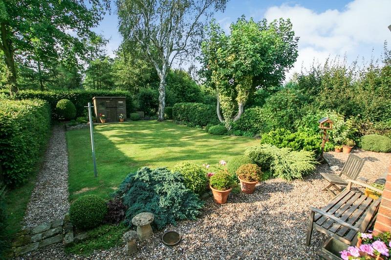 property-for-sale-5-bedroom-semi-in-holmesfield