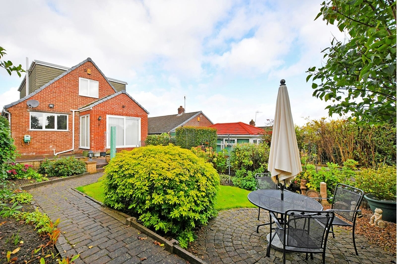 property-for-sale-4-bedroom-detached-in-dronfield-9