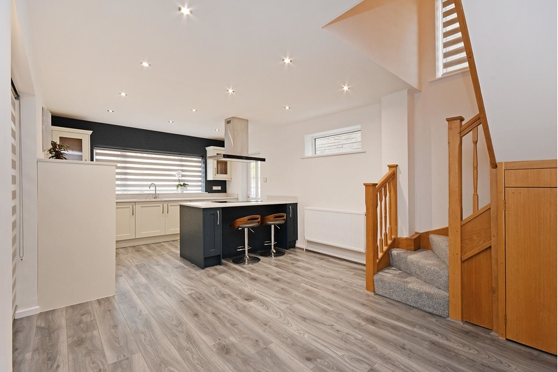 property-for-sale-5-bedroom-detached-in-dronfield-woodhouse-3