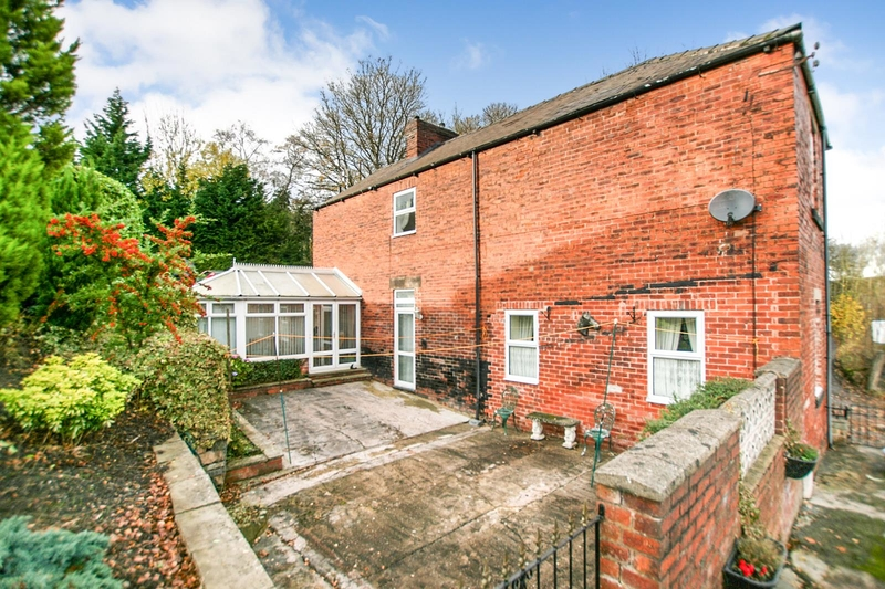 property-for-sale-3-bedroom-detached-in-dronfield-15