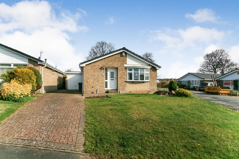 property-for-sale-3-bedroom-detached-bungalow-in-dronfield-2