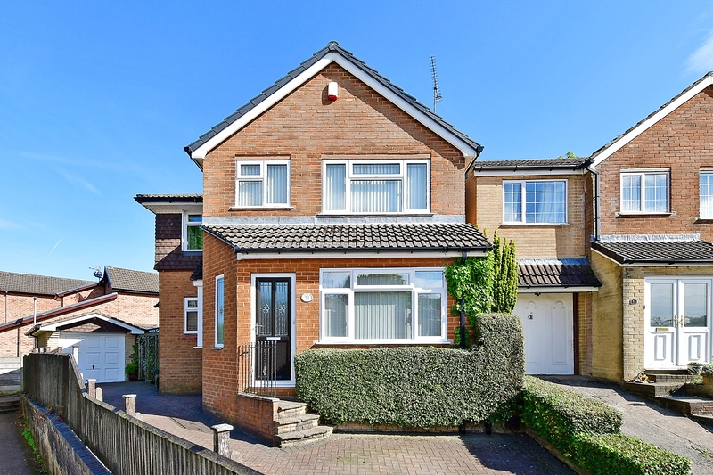property-for-sale-5-bedroom-detached-in-dronfield-2