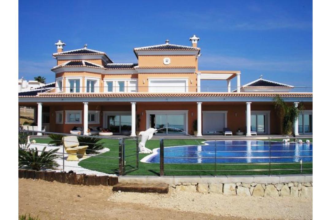 property-for-sale-villa-in-moraira-spain-5